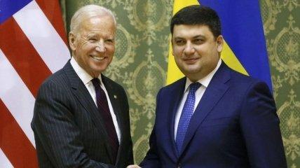"""Гройсман поблагодарил Байдена за """"веру в Украину"""""""
