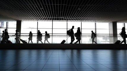 Не только на заработки, но и отдыхать: куда чаще всего ездили украинцы в 2021 году