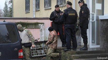 Суд в РФ в закрытом режиме рассматривает продление ареста пленных моряков