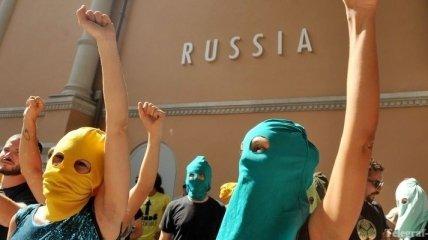 Адвоката Pussy Riot пригласили на допрос в Следственный комитет