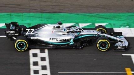 Mercedes попробовала в деле новую машину W10 (Видео)