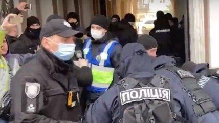 В Одессе радикалы пытались сорвать марш за права женщин (фото, видео)