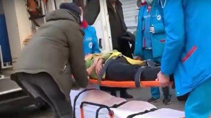 В Одессе мужчина выпрыгнул из окна 23-го этажа прямо на машину и чудом остался жив (фото, видео)