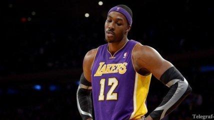 """НБА. Центровой """"Лейкерс"""" будет играть через боль"""