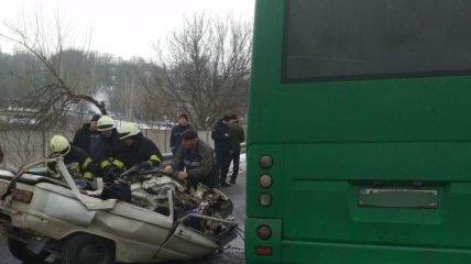 В Обухове в ДТП с маршруткой погибли три человека
