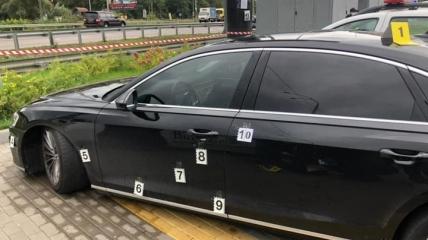 Автомобиль Сергея Шефира после обстрела