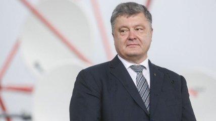 Президент поздравил украинцев с Рождеством по григорианскому календарю