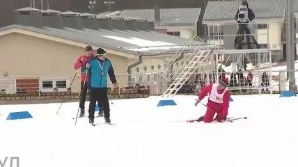 В Беларуси попытались оправдаться за падающего перед Лукашенко лыжника