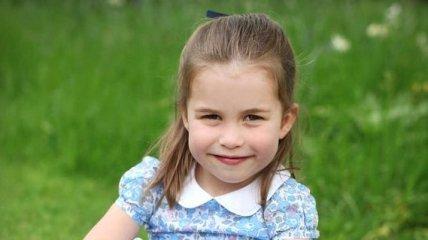Принцесса Шарлотта празднует четыре года: новые фото