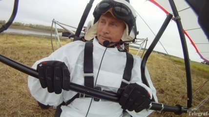 США оценили полет Путина как журавлиного вожака