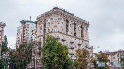 В Киеве на Крещатике европейского дипломата оставили без налички и документов