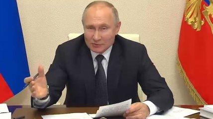 """Путин под Новый год """"накормил"""" медиков старыми обещаниями"""