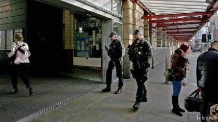 Мужчина с ножом в Манчестере бросался на людей: есть пострадавшие