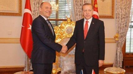 Парубий обсудил с Эрдоганом необходимость сохранения блокады Крыма
