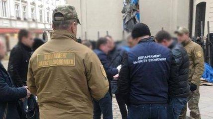 В горсовете Львова прошли обыски: задержан чиновник
