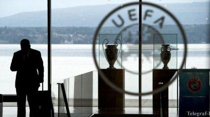 УЕФА наказал Литву, Англию, Шотландию и Польшу