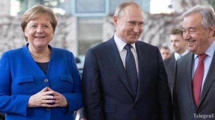 Путин и Меркель в Берлине поговорили на русском языке: видео