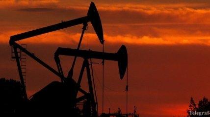 Цены на нефть продолжили падение из-за дефицита хранилищ