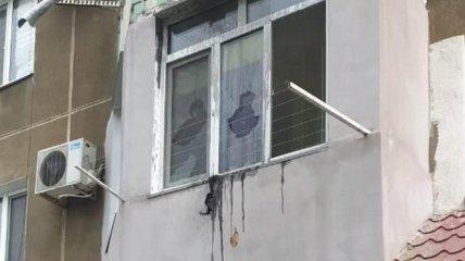 """Неизвестный в Одессе кинул """"коктейль Молотова"""" в окно квартиры"""
