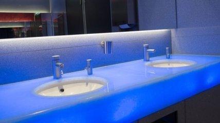 Туалетные кабинки с интересным дизайном с разных уголков мира (Фото)
