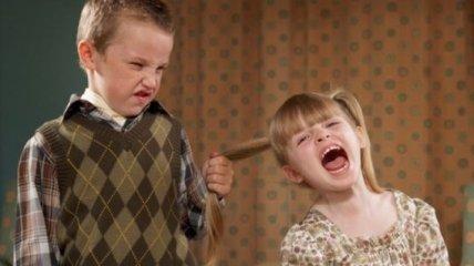Психолог рассказал, как помочь детям перестать ругаться и ссорится