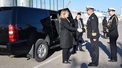 Командующий ВМС обсудил сотрудничество с делегацией США