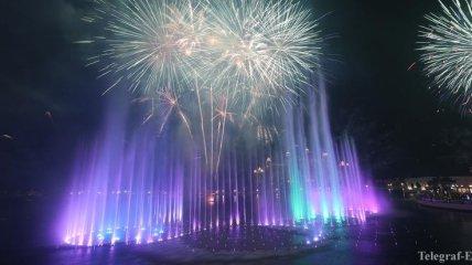 В Дубае открылся крупнейший фонтан в мире (Фото, Видео)