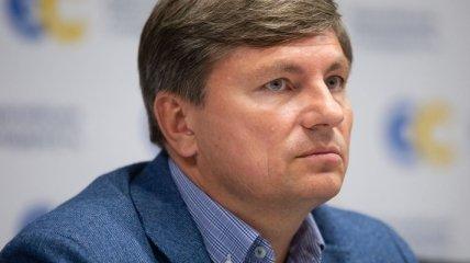 В декларации не указана: журналисты нашли испанскую виллу депутата из партии Порошенко (видео)