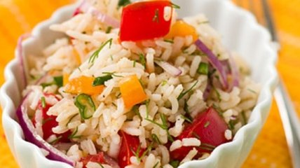 Рецепт дня: овощной салат с рисом