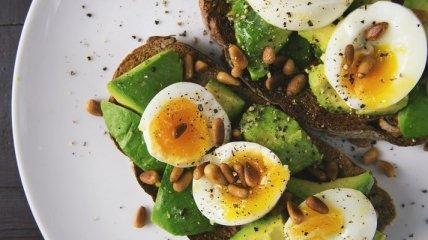 """""""Куди можна смачно запхати крашанки"""": Євген Клопотенко поділився смачними стравами з яйцями"""