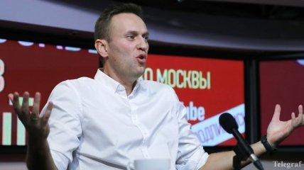 Навального с отеками лица из СИЗО доставили в больницу