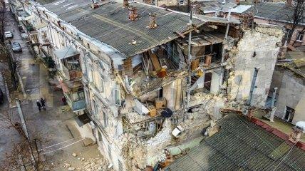 В центре Одессы посреди ночи обрушился жилой дом: появились фото с места ЧП