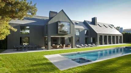 Современные дом-сарай с крутым дизайном внутри (Фото)