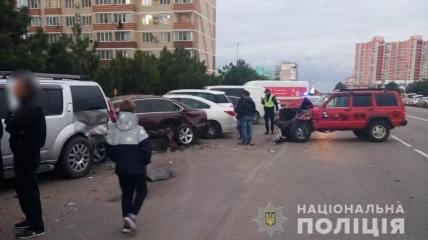 Водитель авто не справился с управлением.