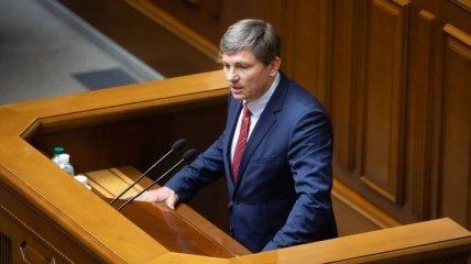 """""""Закон не для украинцев, а для олигархов"""": """"Евросолидарность"""" готовит поправки в закон о рынке земли"""