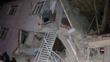 Мощное землетрясение на востоке Турции: есть погибшие (фото, видео)