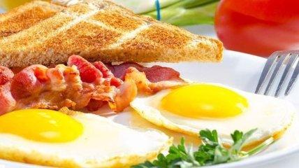 Медики назвали пять вариантов самых полезных завтраков