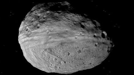 Получен новый снимок астероида Веста