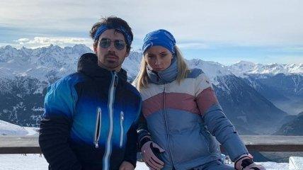 """Звезда сериала """"Игра престолов"""" отдыхает на горнолыжном курорте в Швейцарии"""