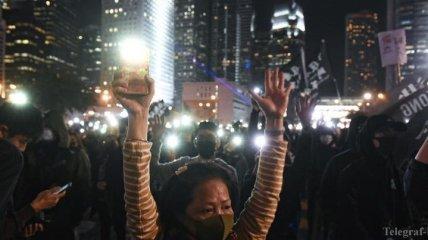Протесты в Гонконге: в новогоднюю ночь на улицы города вышли тысячи людей