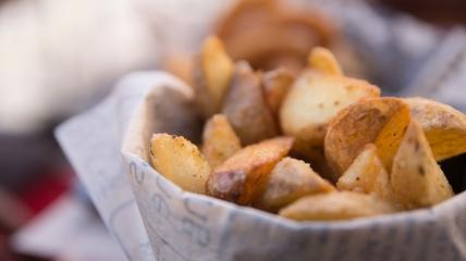 Хрустящий картофель в духовке - несколько секретов в одном рецепте