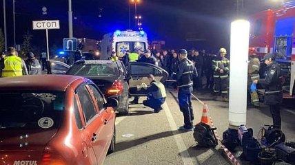 Взрыв Mercedes в Киеве: погиб полицейский