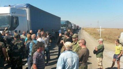 На админгранице с Крымом образовались очереди