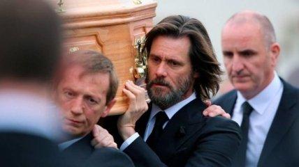 Джим Кэрри стал ответчиком в суде по делу смерти своей подруги