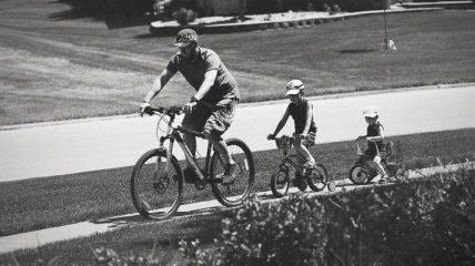 Отцы и дети: потрясающие снимки родительской любви (Фото)