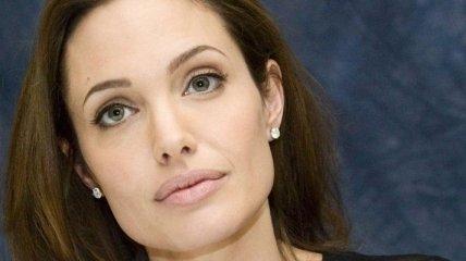 Анджелина Джоли не готова становиться мамой