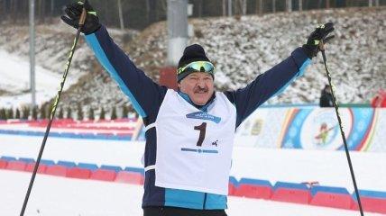 Путин так же в хоккей играет: лыжник-Лукашенко насмешил сеть (видео)