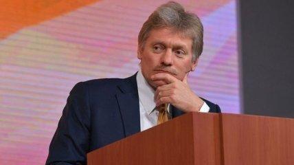 В Кремле пока не знают, звать ли Зеленского в Москву на 9 мая