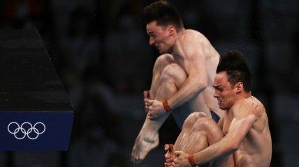 """Сенсация на Олимпиаде: китайцы упустили """"золото"""" в синхронных прыжках в воду"""