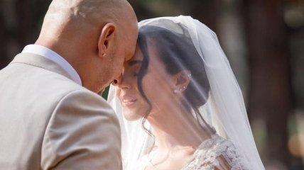 Эффектные кадры: Потап и Настя Каменских продолжают умилять сеть фотографиями со свадьбы